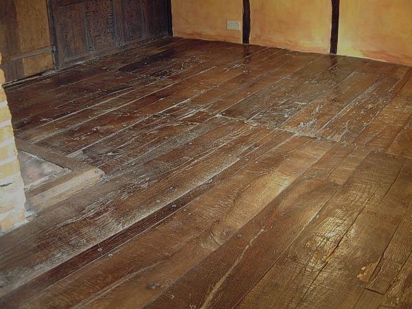 Oak Floor Boarding - Carpet Vidalondon
