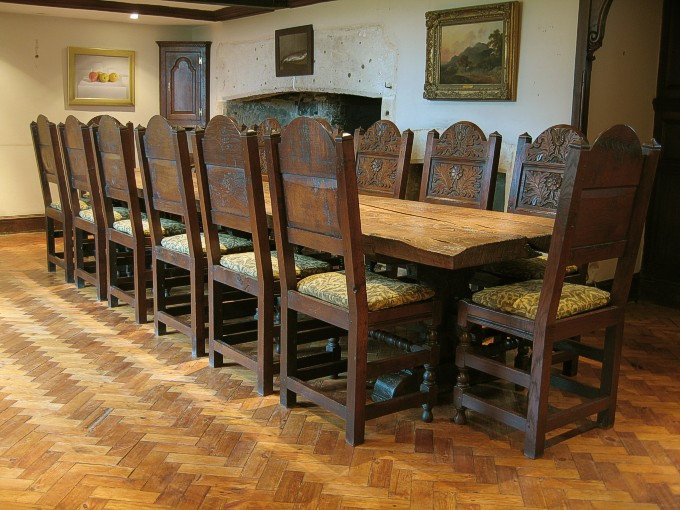 Stunning Gothic Style Dining Table and Chairs 680 x 510 · 112 kB · jpeg