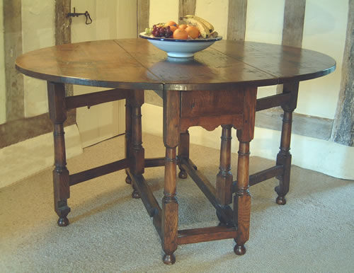 Small oak gateleg table english oak reproduction for Underline the table